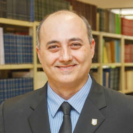 Prof. Dr. Emanuel Carrilho